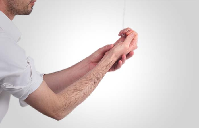 бесплатно смотреть как вводят руку до локтя женщине